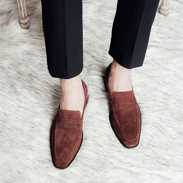 Chất liệu giày lười da công sở: Bạn đã biết cách lựa chọn phù hợp?