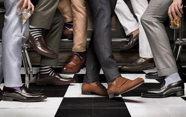 Giày đen hay nâu: Mức độ sang trọng của giày?